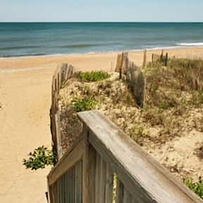 Kitty Hawk is listed (or ranked) 12 on the list The Best Places to Go Hang Gliding