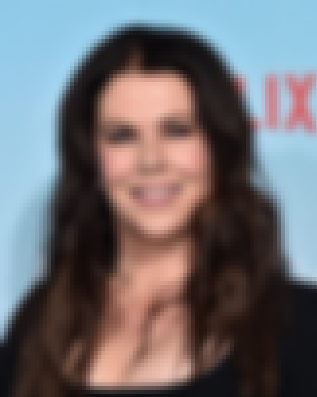 Lauren Graham is listed (or ranked) 4 on the list Men Who Yasmine Bleeth Has Dated