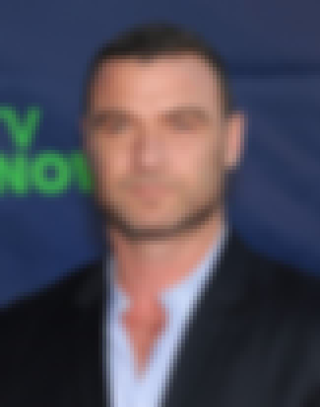 Liev Schreiber is listed (or ranked) 4 on the list Famous Friends of Dustin Hoffman