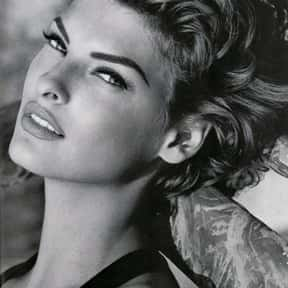 Linda Evangelista is listed (or ranked) 21 on the list Famous People From Ontario