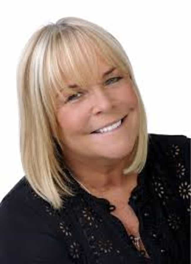 Linda Robson is listed (or ranked) 2 on the list Birds of a Feather Cast List