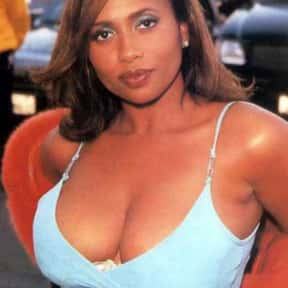 Lisa Nicole Carson is listed (or ranked) 11 on the list Full Cast of Devil In A Blue Dress Actors/Actresses