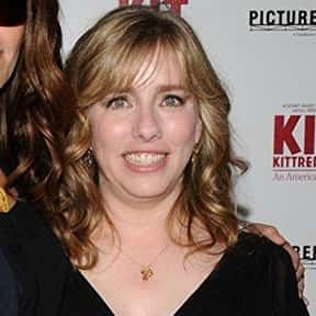 Lisa Roberts Gillan is listed (or ranked) 14 on the list Full Cast of Runaway Bride Actors/Actresses