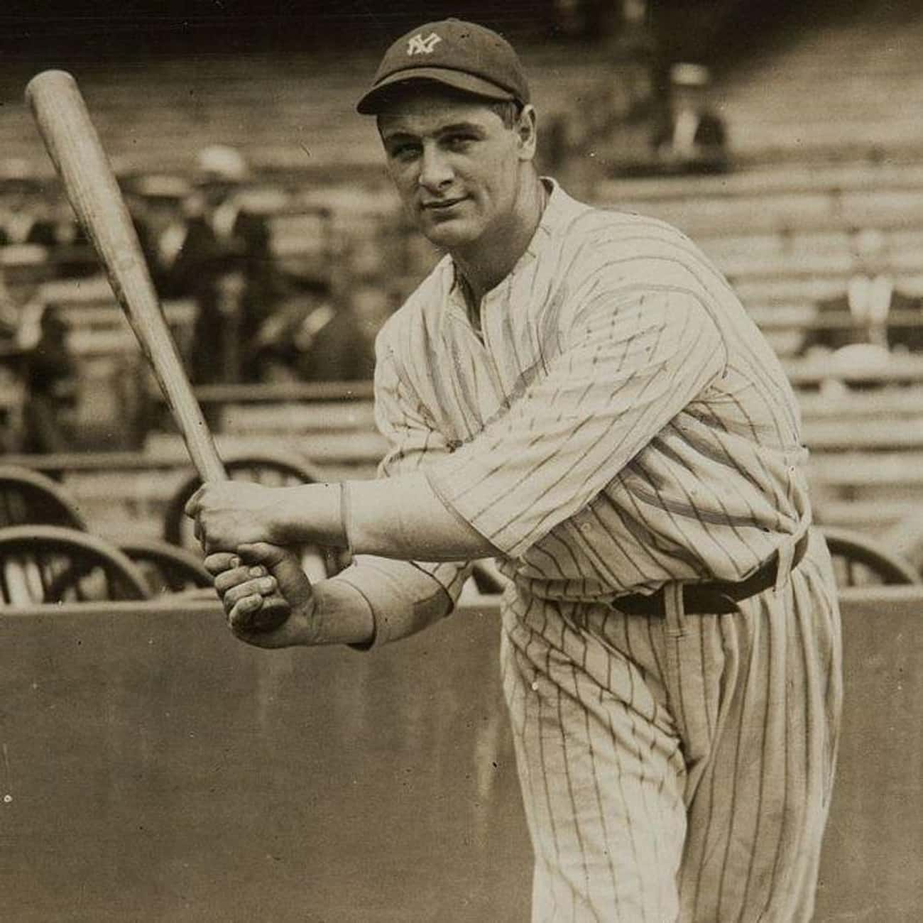 Lou Gehrig is listed (or ranked) 2 on the list 25 Professional Athletes Who Died Young