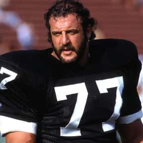Lyle Alzado is listed (or ranked) 24 on the list The Best Oakland Raiders Of All Time