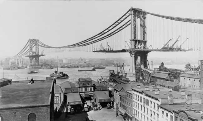 Manhattan Bridge is listed (or ranked) 1 on the list 18 Fascinating Photos of Historical Landmarks Under Construction