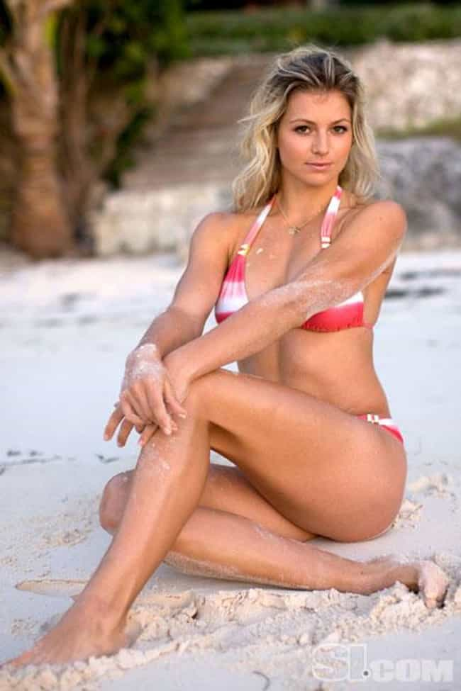 Maria Kirilenko is listed (or ranked) 4 on the list Female Tennis Players That Put Love On Your Mind