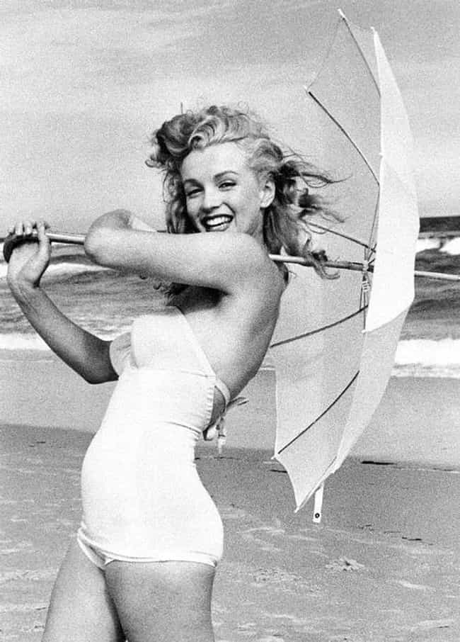 Marilyn Monroe is listed (or ranked) 4 on the list The Hottest Classic Actresses