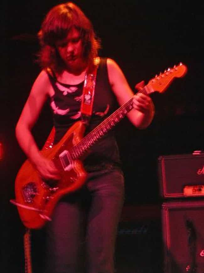 Mary Timony is listed (or ranked) 3 on the list Famous Duke Ellington School Of The Arts Alumni
