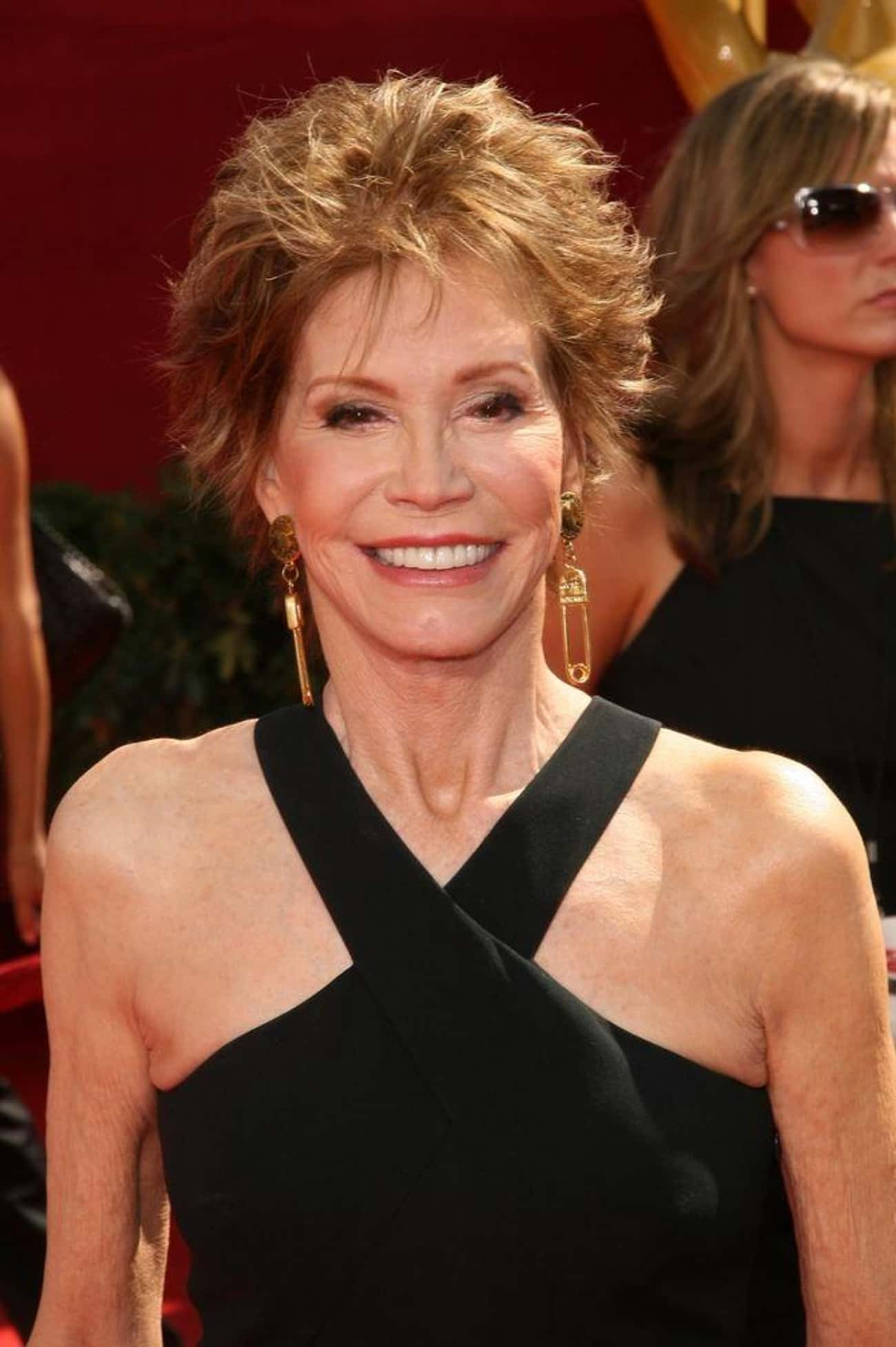 Mary Tyler Moore is listed (or ranked) 4 on the list Hot in Cleveland Cast List
