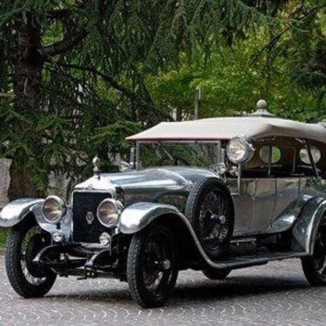 Minerva AB is listed (or ranked) 2 on the list Full List of Minerva Automobile Models