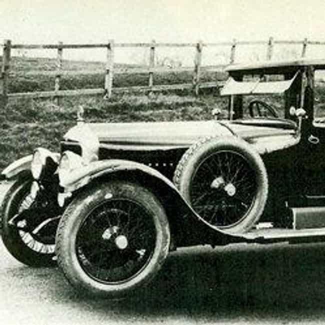 Minerva NN is listed (or ranked) 3 on the list Full List of Minerva Automobile Models
