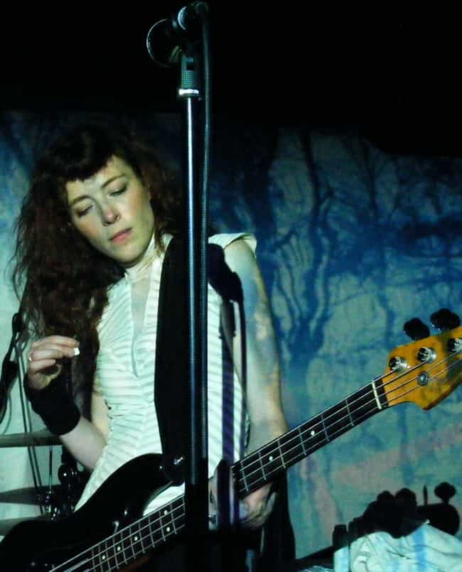 Melissa Auf der Maur is listed (or ranked) 2 on the list Women Who Dave Grohl Has Dated