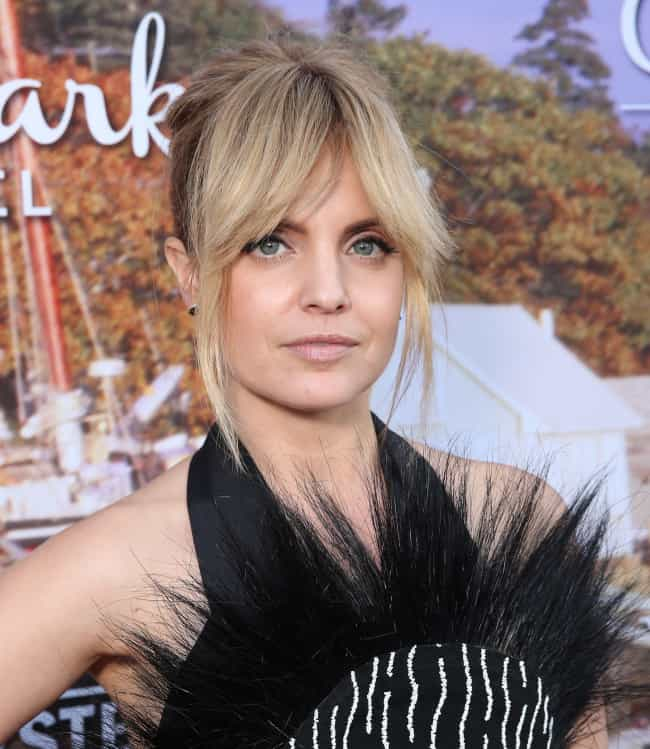 Mena Suvari is listed (or ranked) 2 on the list The 2000 Maxim Hot 100: Maxim's Hottest Babes of 2000