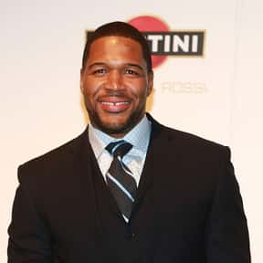 Michael Strahan is listed (or ranked) 6 on the list List of Famous Football Defensive ends