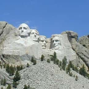 Mount Rushmore National Memori is listed (or ranked) 10 on the list The Best Tourist Attractions in America