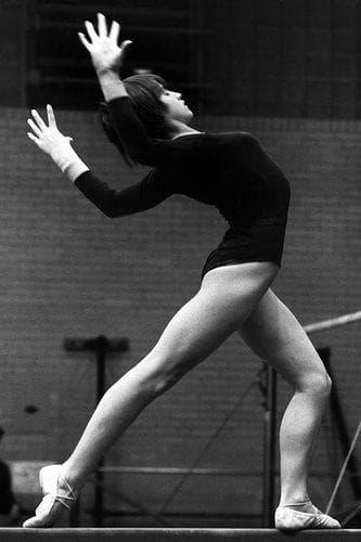 Random Best Olympic Athletes in Artistic Gymnastics