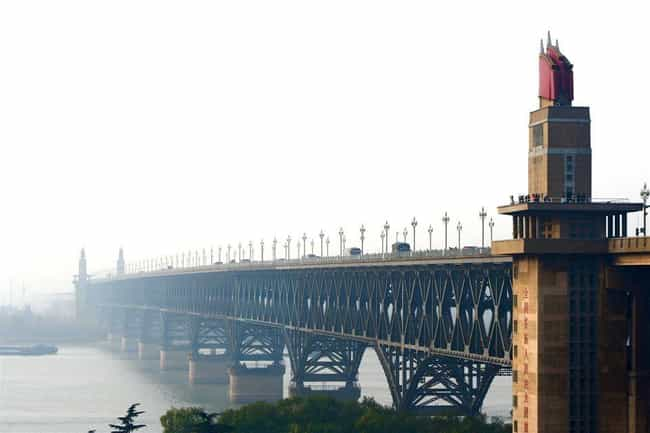 Nanjing Yangtze River Bridge is listed (or ranked) 3 on the list 26 Famous Locations That Are Suicide Magnets