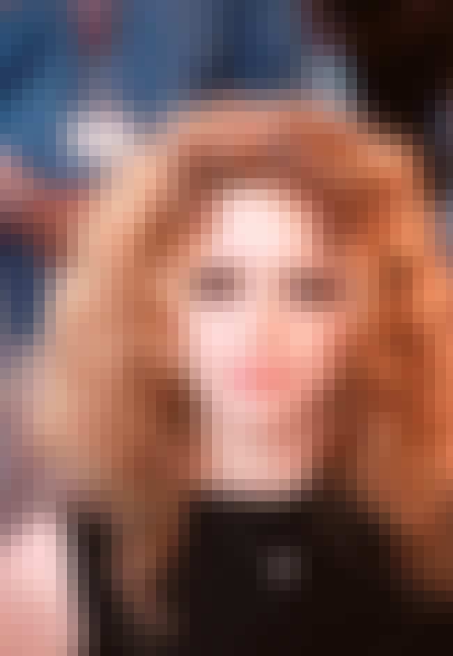 Natasha Lyonne is listed (or ranked) 2 on the list Neighbors Of Celebrities Reveal Who It Sucks To Live Next To