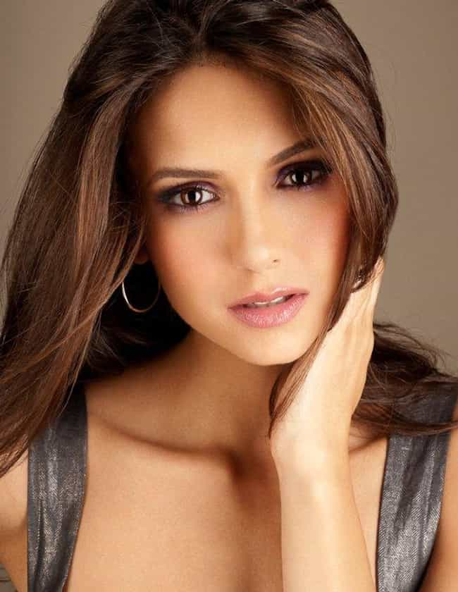 Hottest Women With Brown Hair And Brown Eyes
