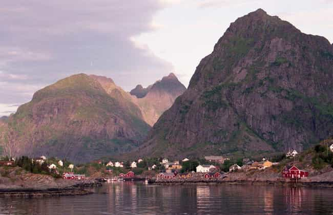 Norway is listed (or ranked) 2 on the list The World's Cleanest Countries