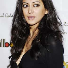 Noureen DeWulf is listed (or ranked) 5 on the list Full Cast of National Lampoon's Pledge This! Actors/Actresses