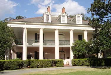 Oak Alley Plantation Is Visite is listed (or ranked) 2 on the list 15 Ghost Stories From American Plantations