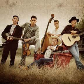 Old Crow Medicine Show is listed (or ranked) 7 on the list The Best Bands Named After Birds