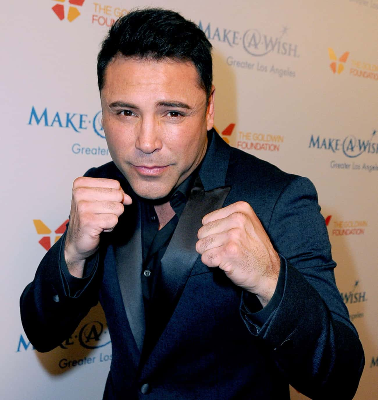 Oscar de la Hoya is listed (or ranked) 3 on the list Famous Male Professional Boxers
