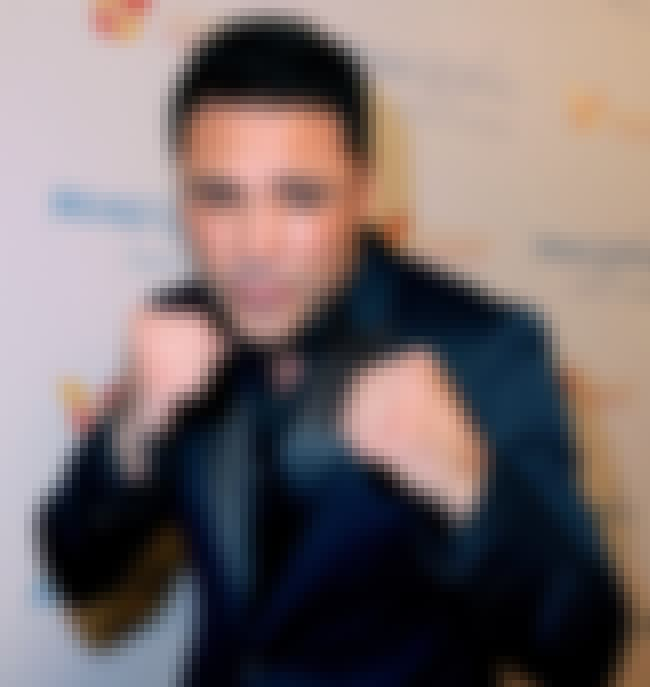 Oscar de la Hoya is listed (or ranked) 3 on the list Famous Garfield High School Alumni