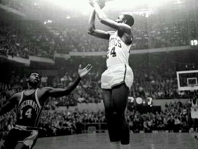 Oscar Robertson is listed (or ranked) 3 on the list The Top 10 Best Basketball Players of the 1960's