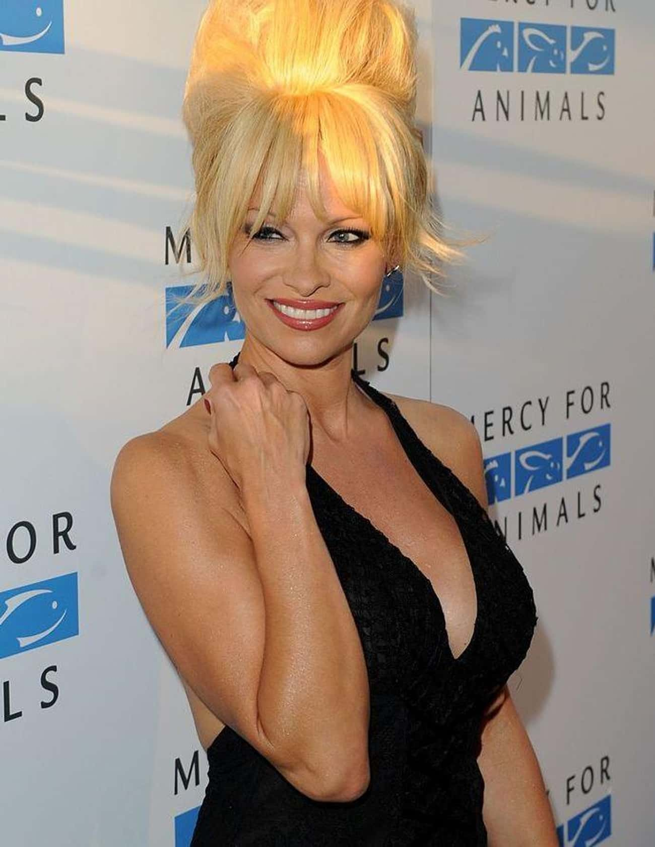 Pamela Anderson Appeared On A Jumbotron At A Football Game