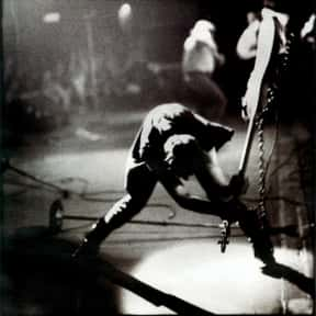 Paul Simonon is listed (or ranked) 21 on the list Famous Central Saint Martins College Of Art And Design Alumni