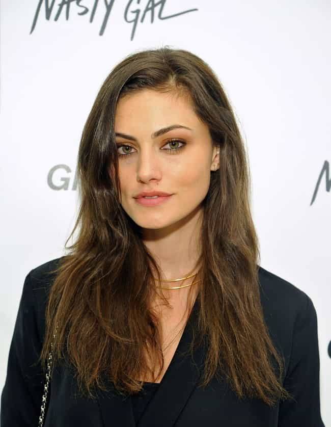 Phoebe Tonkin is listed (or ranked) 2 on the list Tom Felton Loves and Hookups