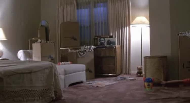 There's A Surprise Photobomb In 'Poltergeist'