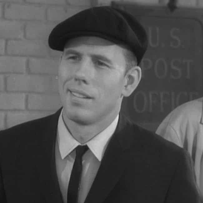 Rance Howard is listed (or ranked) 4 on the list Gentle Ben Cast List