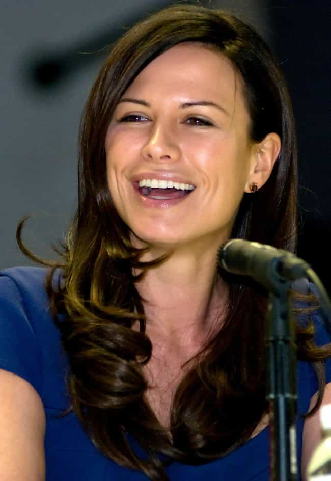 Rhona Mitra is listed (or ranked) 2 on the list Matt Damon's Loves & Hookups