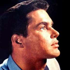 Richard Beymer is listed (or ranked) 23 on the list Full Cast of The Longest Day Actors/Actresses