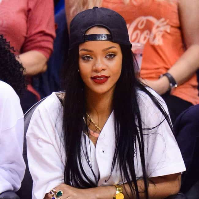 Rihanna is listed (or ranked) 1 on the list Celebrity Clipper Fans