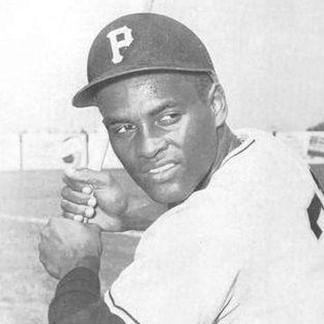 Roberto Clemente is listed (or ranked) 3 on the list 25 Professional Athletes Who Died Young