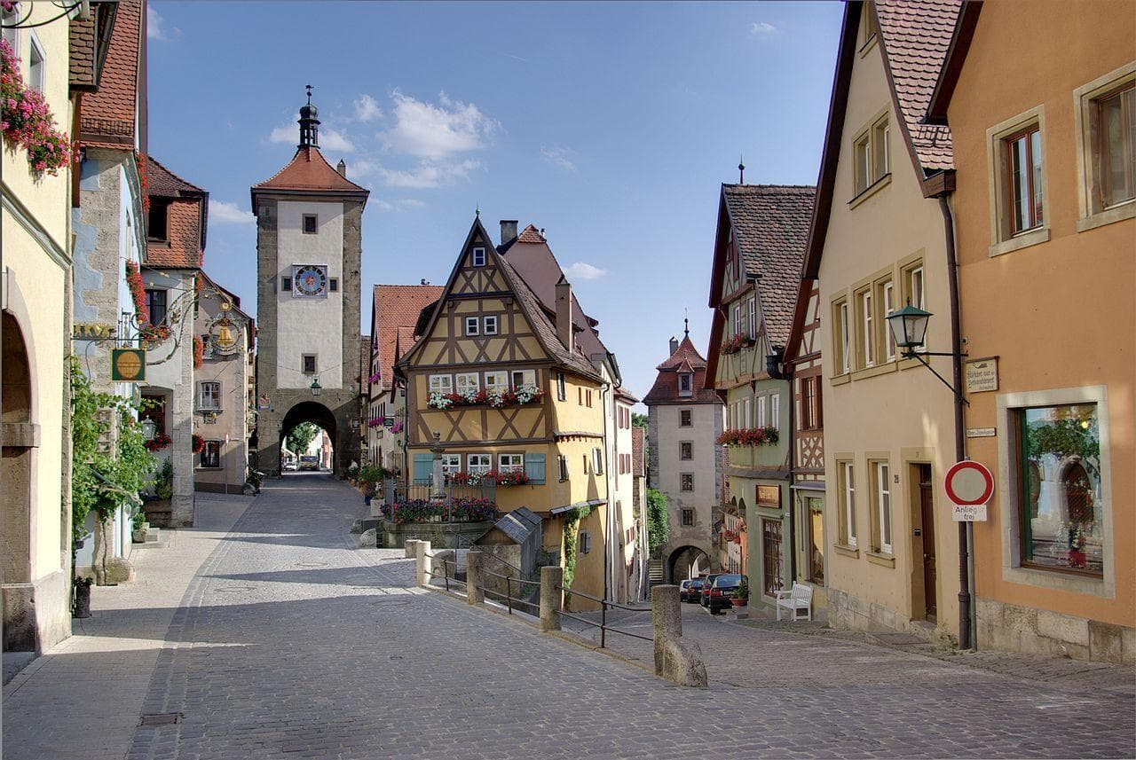Random Beautiful Medieval Towns That Are Shockingly Well Preserved
