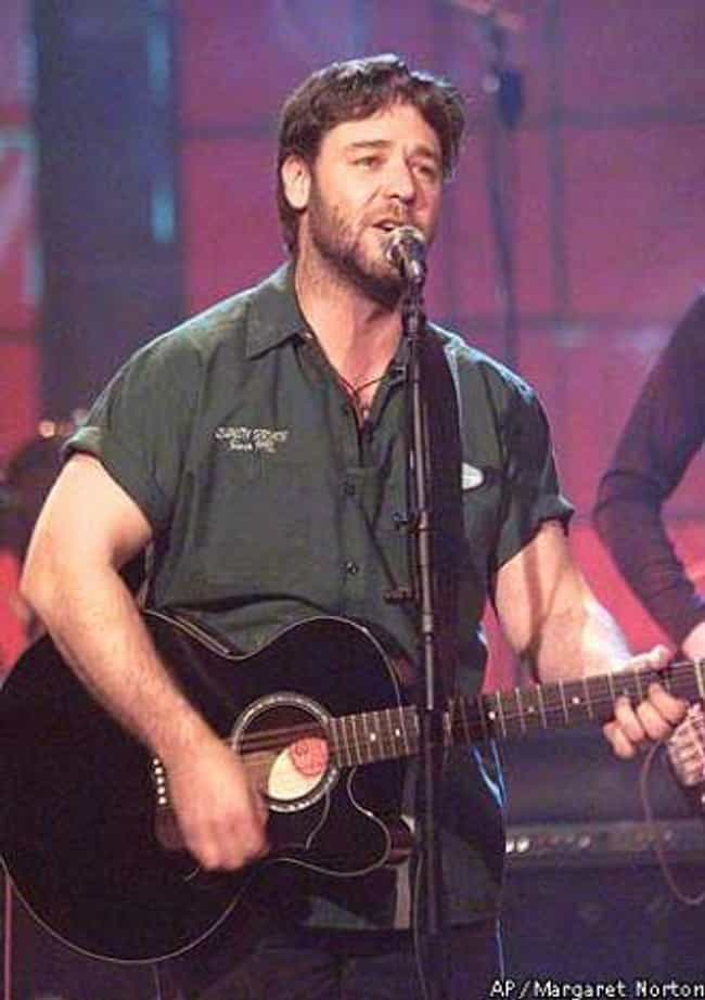 Russell Crowe is listed (or ranked) 4 on the list 32 Actors Who Sing in Bands