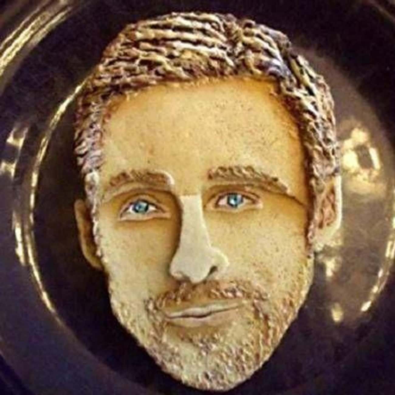 Hey Girl, What Do I Have in My is listed (or ranked) 3 on the list 17 Celebrity Face Cakes That Don't Look Quite Right