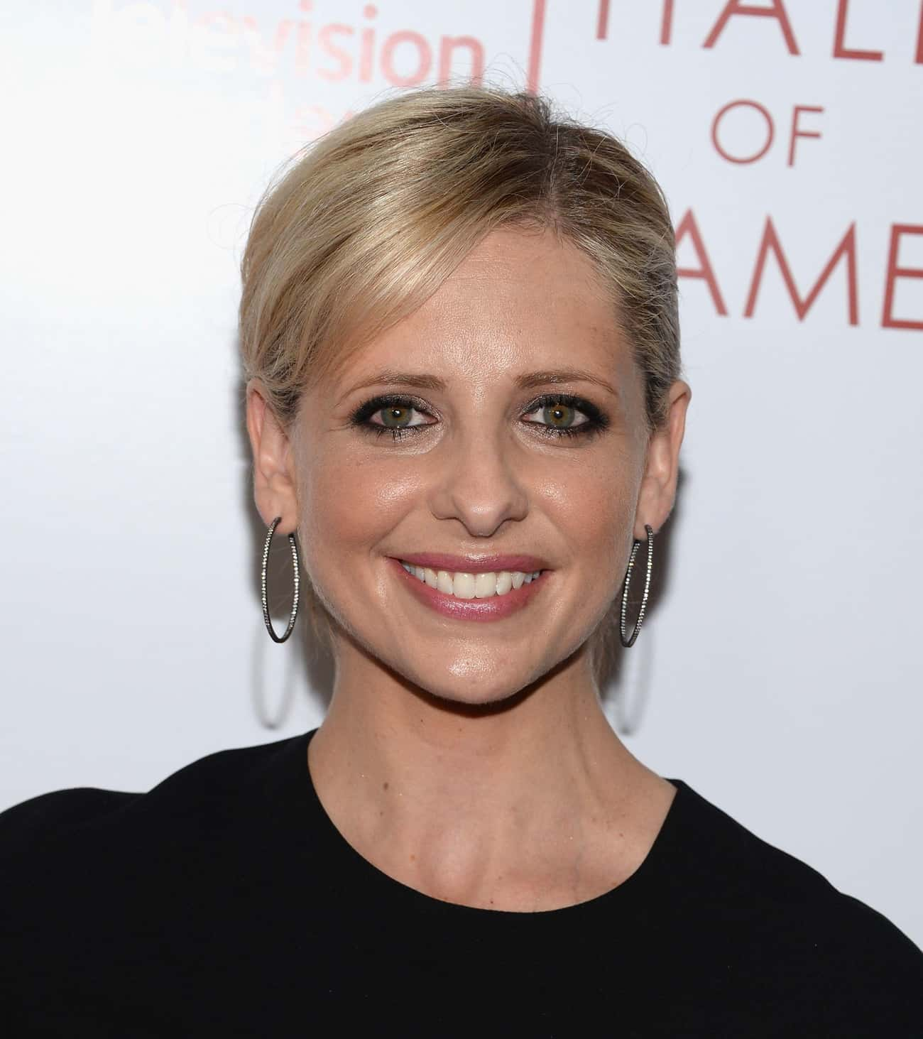 """Sarah Michelle Gellar is listed (or ranked) 2 on the list Female Celebrities Who Are 5'2"""""""