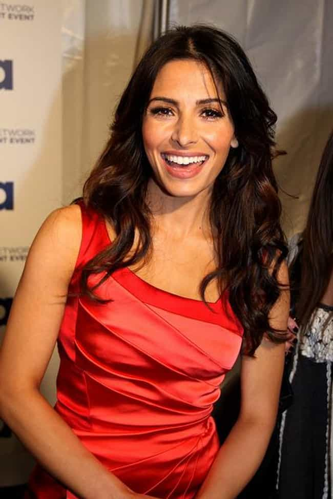 Sarah Shahi is listed (or ranked) 4 on the list The Hottest Muslim Women Under 40